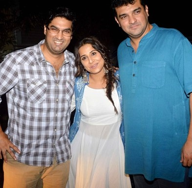 Vidya with her brother-in-law, Kunaal Roy Kapur (on left) and her husband, Siddharth (on right)