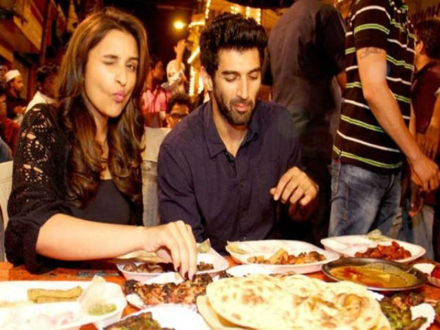 Aditya Roy Kapur having food with Parineeti Chopra