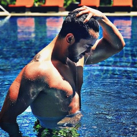 Aly Goni swimming