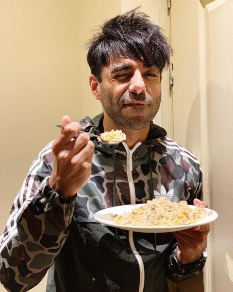 Aparshakti Khurana enjoying his food