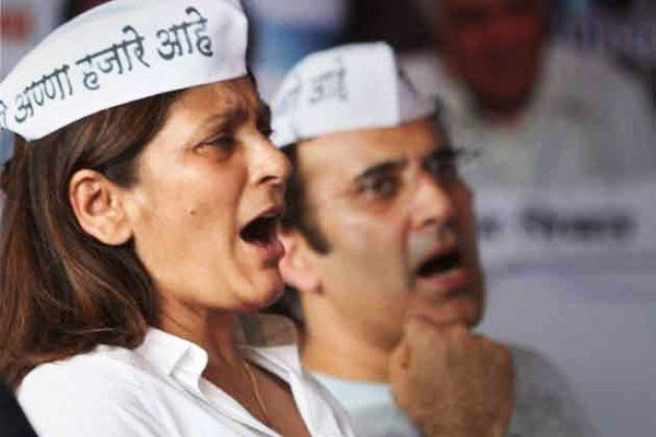 Archana Puran Singh supporting Anna Hazare