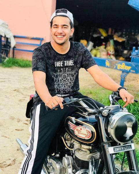 Jass Manak riding bullet