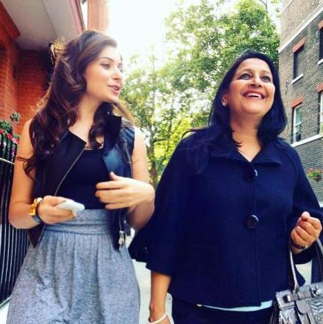 Kanika Kapoor with her mother