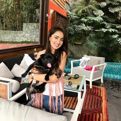 Musskan Sethi with her puppy