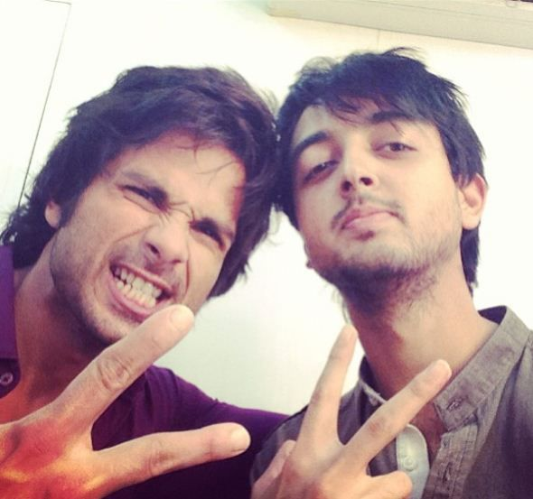 Priyank Sharma with Shahid Kapoor during the making of Phata Poster Nikla Hero