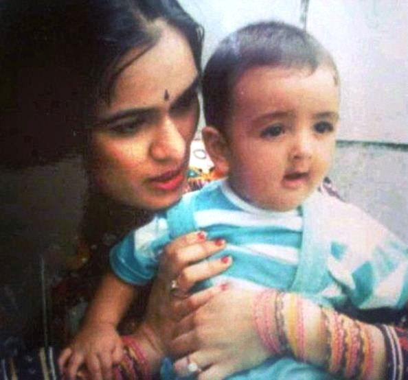 Priyank Sharma's childhood photo with his mother
