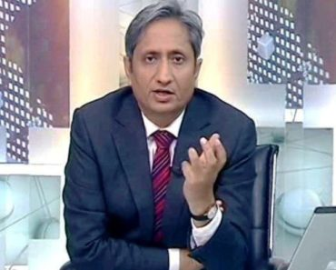 Ravish Kumar Anchoring His News Show
