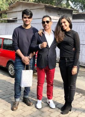 Robert Vadra with his son and daughter