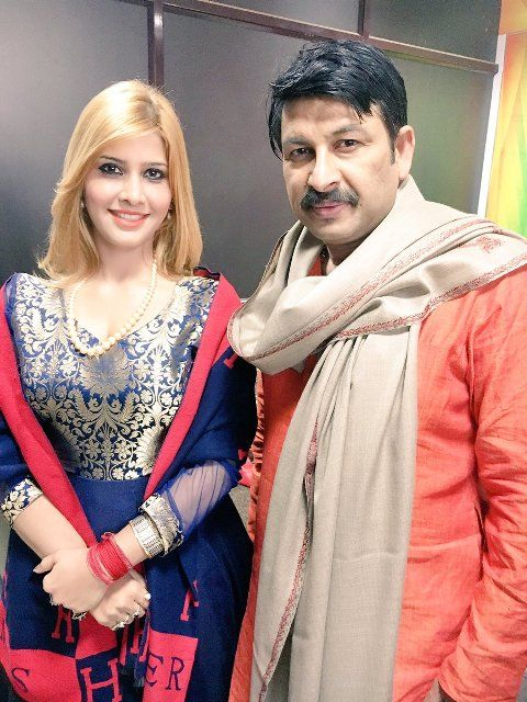 Ruby Yadav with the Delhi BJP head Manoj Tiwari