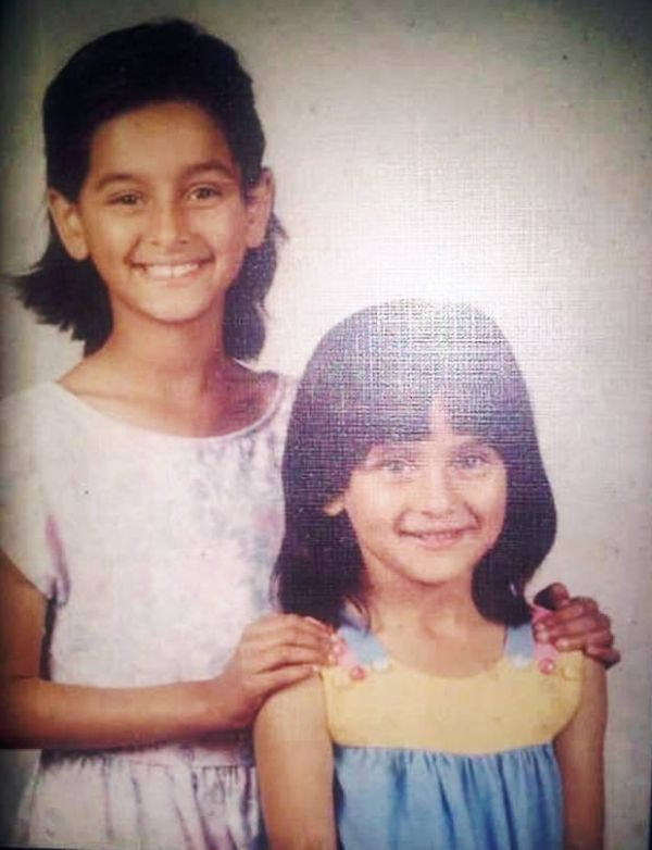 Shibani Dandekar (left) with her sister Anusha Dandekar (right)