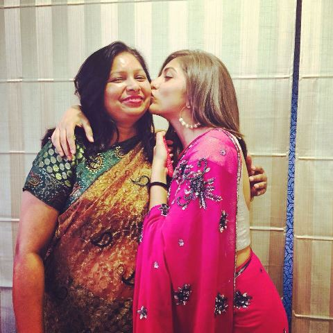 Shruti Sinha with her mom