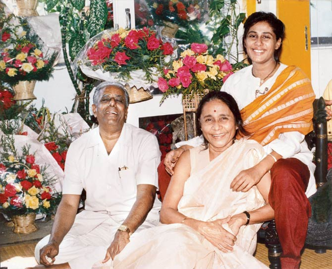 Smita Patil with her parents
