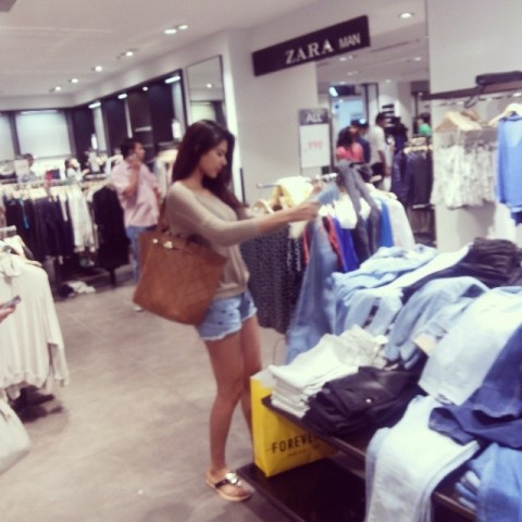 Sonam Bajwa clicked while shopping