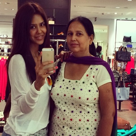 Sonam bajwa with her mother