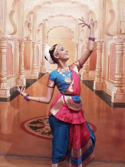 Syna Anand doing classical dance