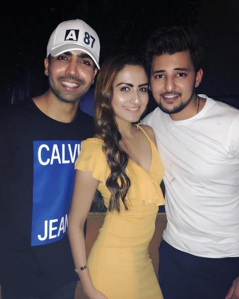 Zara Yesmin with Hardy Sandhu and Darshan Raval