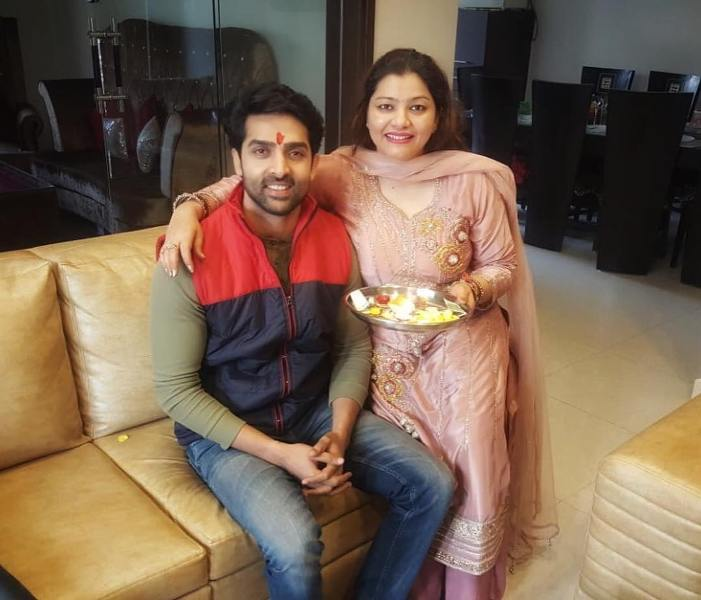 Adhvik Mahajan with his sister
