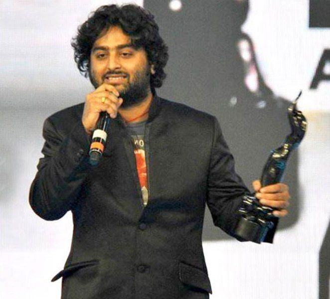 Arijit Singh With His Filmfare Award