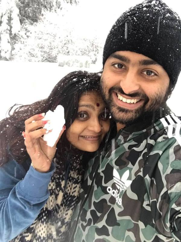 Arijit Singh with his wife Koyel