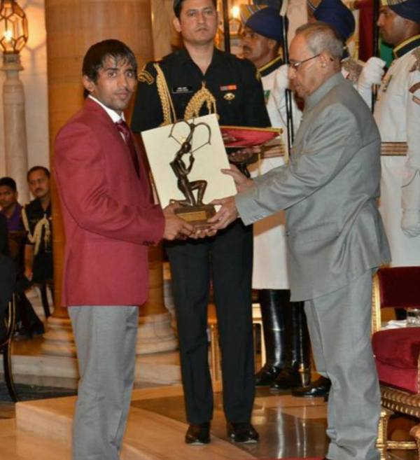 Bajrang Punia Receiving The Arjuna Award