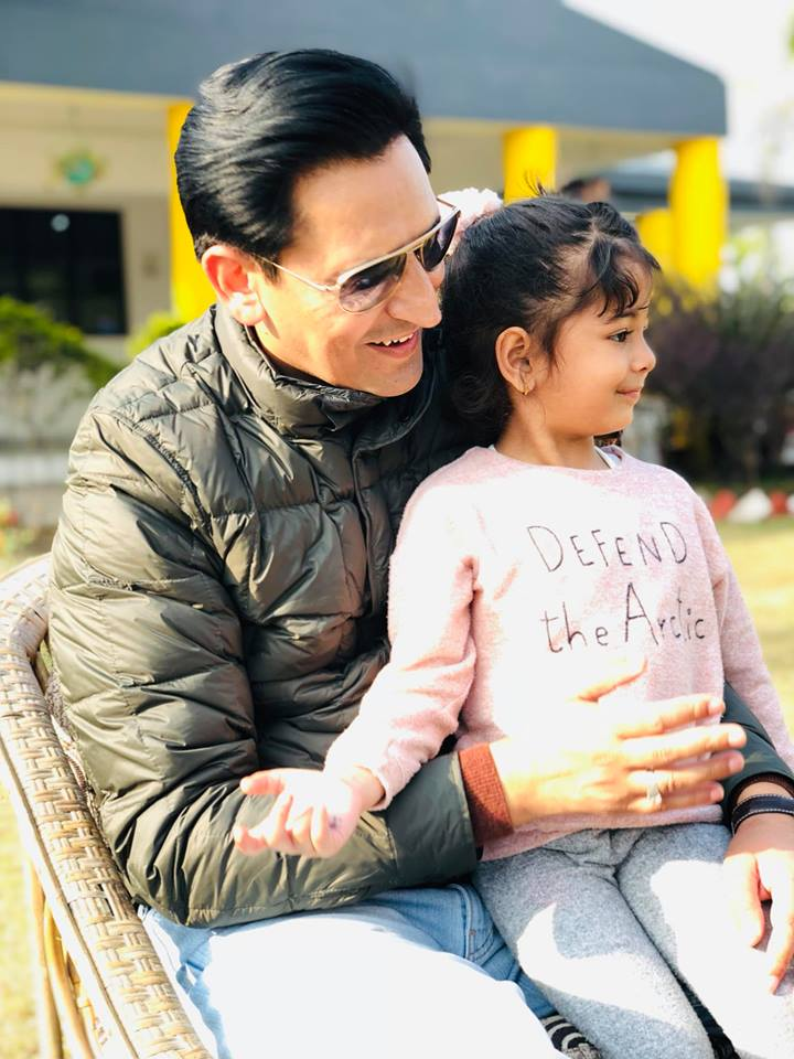 Deepak Rawat With His Daughter Dirisha