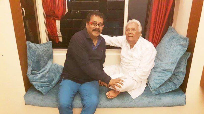 Hariharan With His Mentor Ustad Ghulam Mustafa Khan