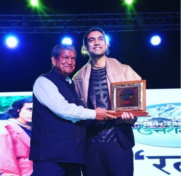 Jubin Nautiyal Receiving Uttarakhand Uday Ratan