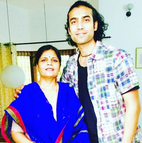 Jubin Nautiyal With His Guru