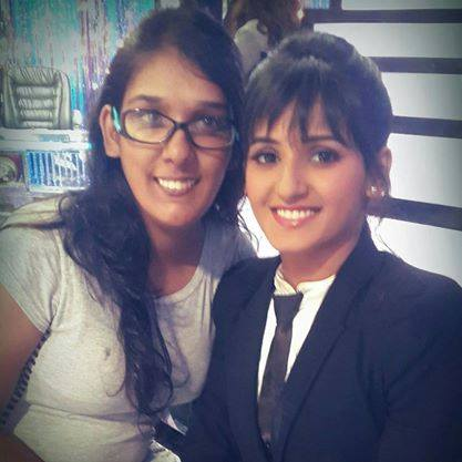 Kriti Mohan with her sister Shakti Mohan