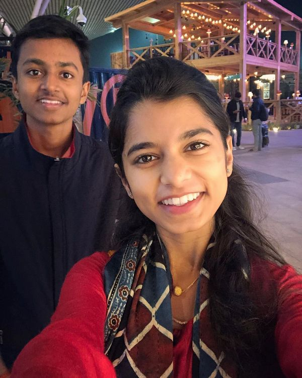 Maithili Thakur with her brother Rishav Thakur