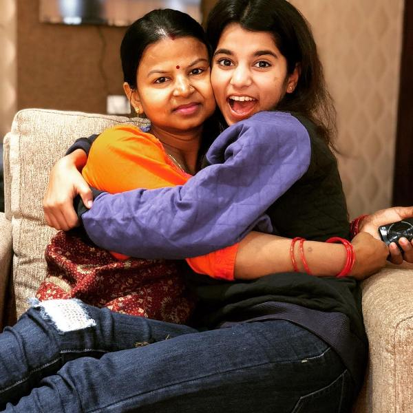 Maithili Thakur with her mother