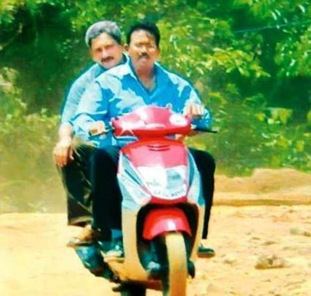 Manohar Parrikar Riding On A Scooty