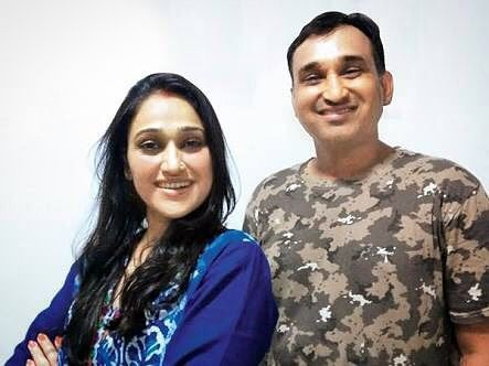 Mayur Vakani with his sister Disha Vakani