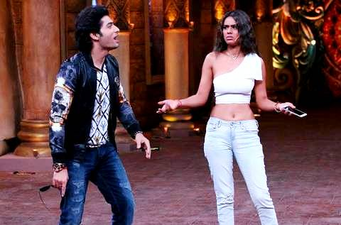 Nia Sharma in Comedy Nights Bachao