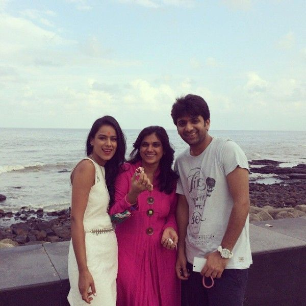 Nia Sharma with her mother and brother