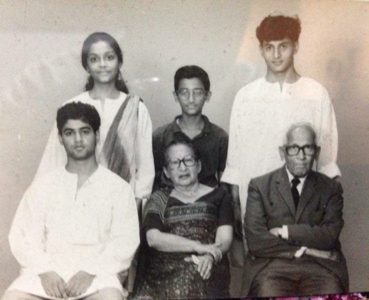 Nikhil Chinapa with his grandparents brother and cousins