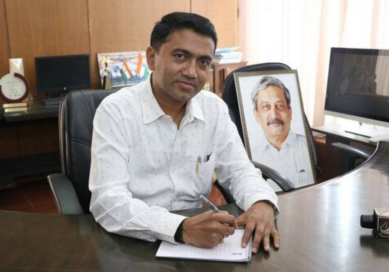 Pramod Sawant Sitting In The Goa CM Office