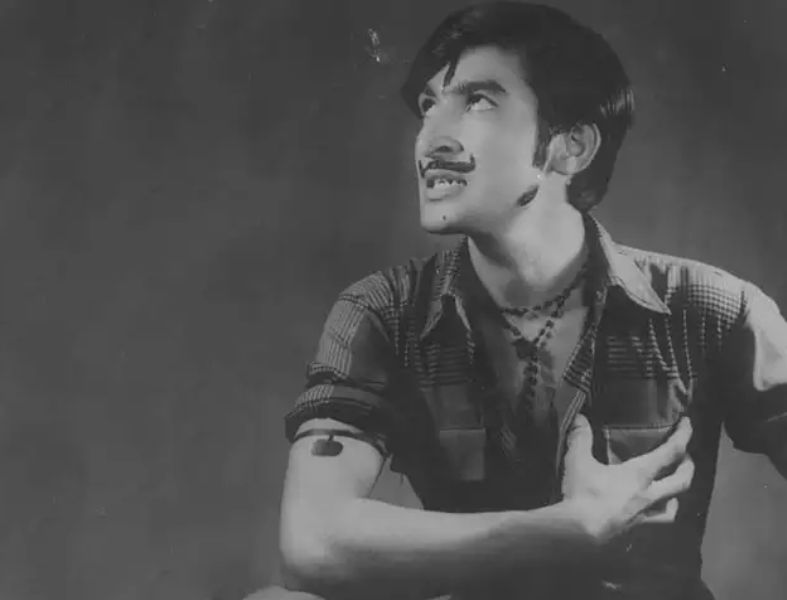 Ravindra Kaushik Performing As An Actor