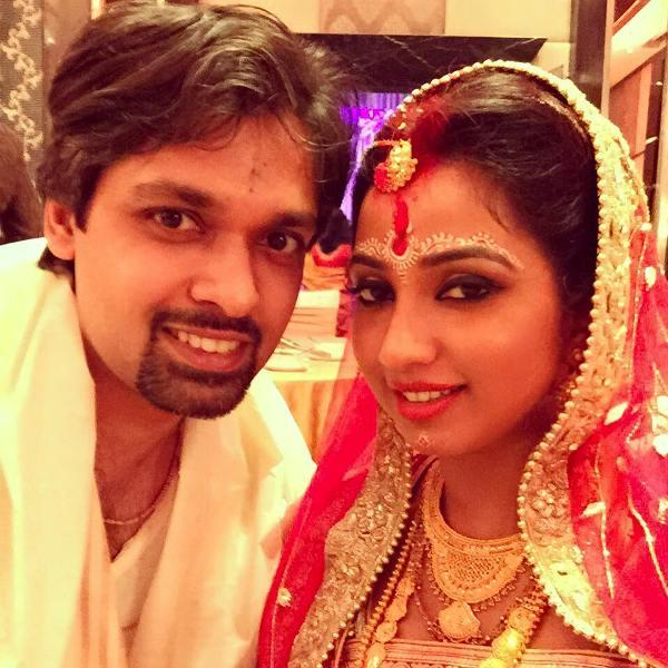 Shreya Ghoshal With Her Husband Shiladitya Mukhopadhyaya