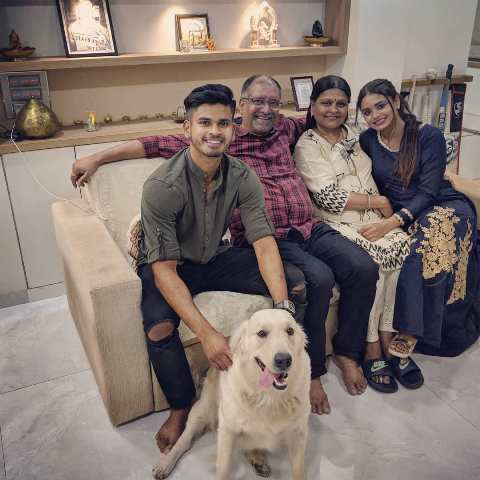 Shreyas Iyer with his parents and sister
