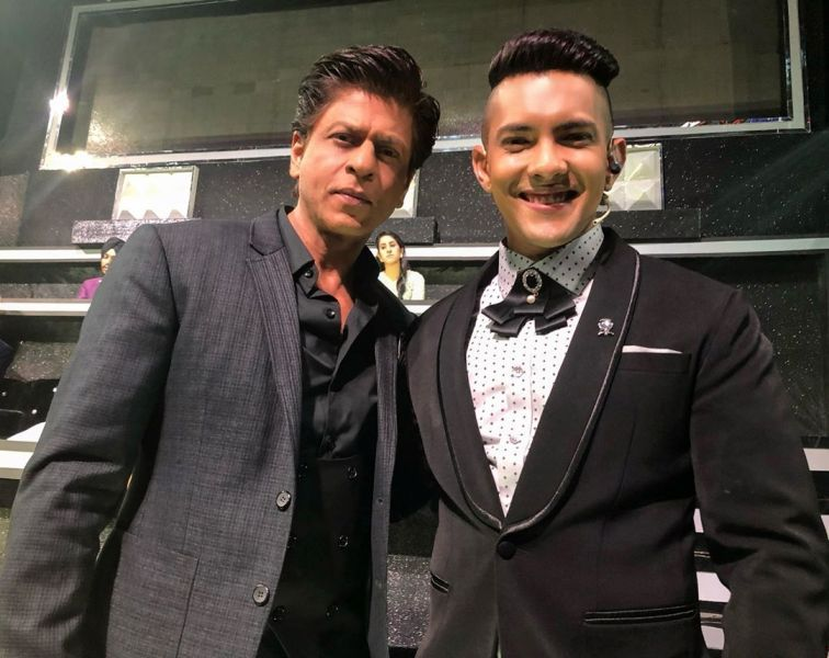 Aditya Narayan with Shah Rukh Khan