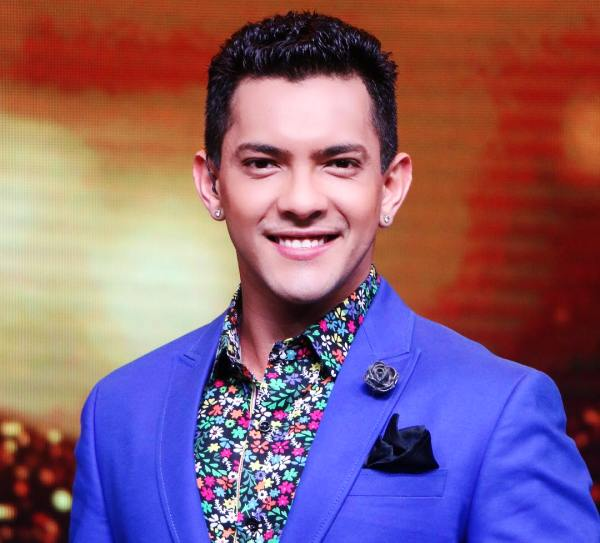 Aditya Narayan Wiki Age Girlfriend Wife Family Biography More Wikibio