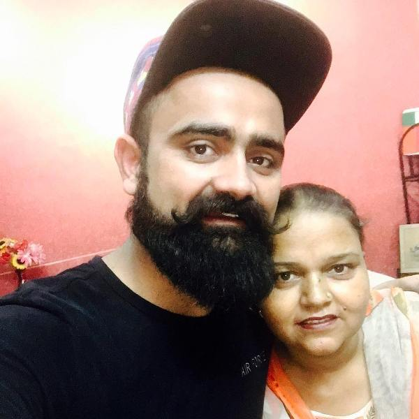 Amrit maan with his mother