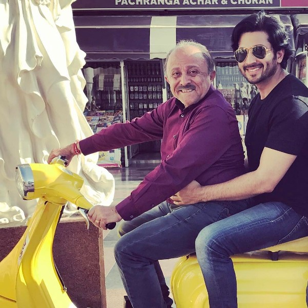 Dheeraj Dhooper with his father
