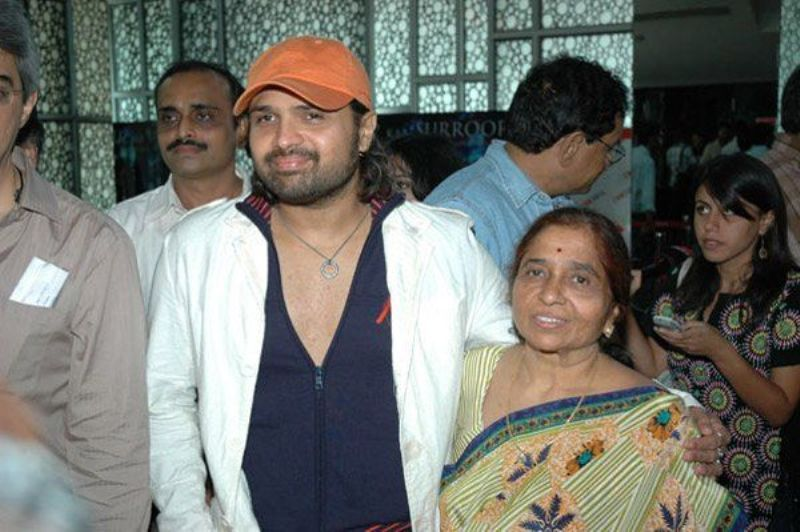 Himesh Reshammiya With His Mother  Madhu Reshammiya