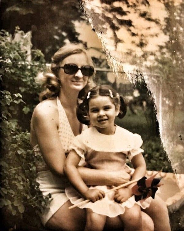Lisa Ray With Her Mother Jeniffer Dutta