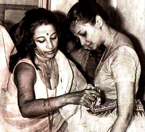 Moon Moon Sen With Mother Suchitra Sen