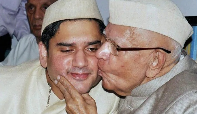 N. D. Tiwari Accepted Rohit Shekhar Tiwari As His Son