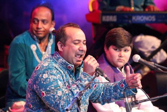 Rahet Fateh Ali Khan with his son