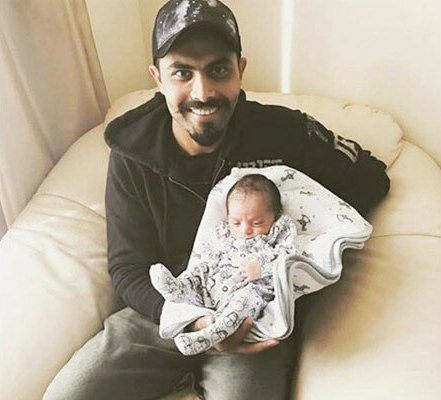 Ravindra Jadeja with his daughter